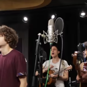"The Kooks LIVE In Studio Performing ""Bad Habit"" [Acoustic]"