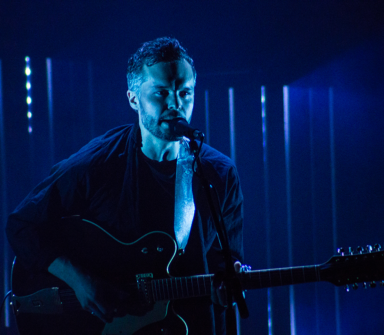 Tallest Man on Earth Blows Audience Away
